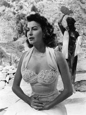 PANDORA AND THE FLYING DUTCHMAN, 1951 directed by ALBERT LEWIN Ava Gardner (b/w photo)