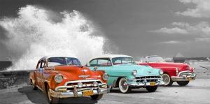 Cars in Avenida de Maceo, Havana, Cuba (BW) by Pangea Images