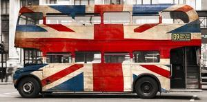 Union jack double-decker bus, London by Pangea Images