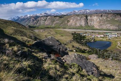 https://imgc.allpostersimages.com/img/posters/panorama-of-el-chalten-argentina-south-america_u-L-Q13C80S0.jpg?p=0