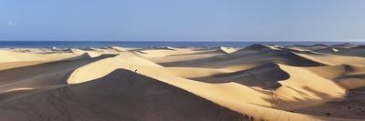 https://imgc.allpostersimages.com/img/posters/panorama-of-the-sand-dunes-of-maspalomas_u-L-PNGOOL0.jpg?p=0