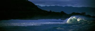 Waves in the Pacific Ocean, Waimea Bay, Oahu, Hawaii, USA by Panoramic Images