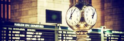 https://imgc.allpostersimages.com/img/posters/panoramic-view-grand-central-terminal-s-four-sided-seth-thomas-clock-manhattan-new-york_u-L-PZ58ZB0.jpg?artPerspective=n