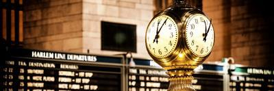 https://imgc.allpostersimages.com/img/posters/panoramic-view-grand-central-terminal-s-four-sided-seth-thomas-clock-manhattan-new-york_u-L-PZ58ZR0.jpg?p=0