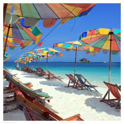 https://imgc.allpostersimages.com/img/posters/parasols-on-a-tropic-isle-ii_u-L-F68BZB0.jpg?artPerspective=n