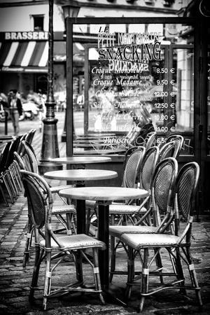 https://imgc.allpostersimages.com/img/posters/paris-focus-brasserie-montmartre_u-L-PZ60N30.jpg?p=0