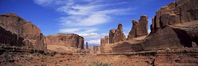 https://imgc.allpostersimages.com/img/posters/park-avenue-arches-national-park-moab-utah-united-states-of-america-u-s-a-north-america_u-L-P2QSEZ0.jpg?artPerspective=n