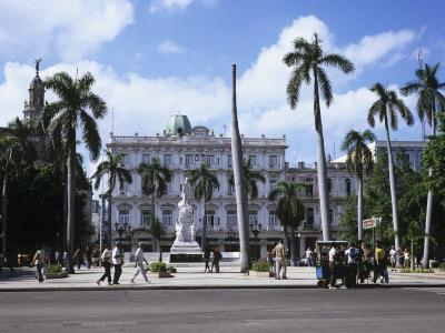 https://imgc.allpostersimages.com/img/posters/parque-central-and-hotel-inglaterra-havana-cuba-west-indies-central-america_u-L-P91KRZ0.jpg?p=0