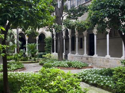 https://imgc.allpostersimages.com/img/posters/parroquia-de-la-purissima-concepcion-de-barcelona-barcelona-catalonia-spain-europe_u-L-PFNF380.jpg?p=0