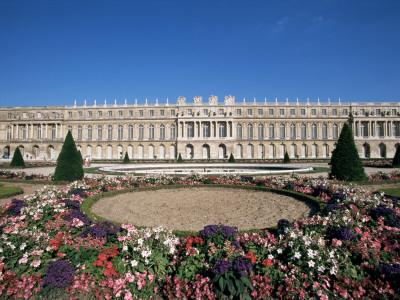 https://imgc.allpostersimages.com/img/posters/parterre-du-midi-and-the-chateau-of-versailles-unesco-world-heritage-site-ile-de-france-france_u-L-P1TUZV0.jpg?p=0