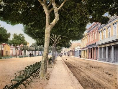 https://imgc.allpostersimages.com/img/posters/paseo-del-prado-habana-1900_u-L-PPQY430.jpg?artPerspective=n