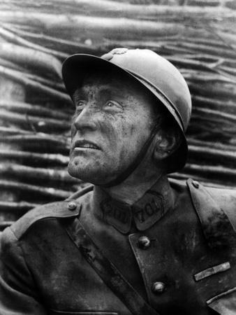 https://imgc.allpostersimages.com/img/posters/paths-of-glory-kirk-douglas-1957_u-L-PH3KX20.jpg?artPerspective=n