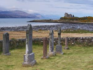 Duart Castle, Isle of Mull, Inner Hebrides, Scotland, Uk by Patrick Dieudonne