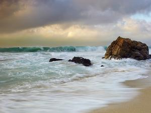 Crashing Waves, Garrapata State Park, Big Sur, California, USA by Patrick Smith