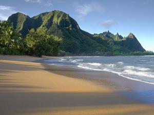 Haena Beach on Kauai, Hawaii, USA Is a Classic Vision of Paradise by Patrick Smith