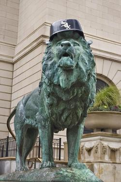 Chicago Art Institute Lion by Patrick Warneka