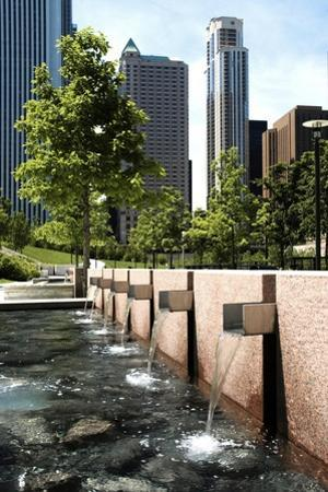 Chicago Downtown Park With Fountains