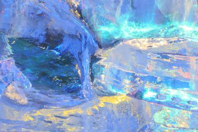 https://imgc.allpostersimages.com/img/posters/patterns-and-textures-of-ice-blocks-near-fairbanks-alaska-usa_u-L-Q1D0G800.jpg?p=0