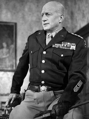 https://imgc.allpostersimages.com/img/posters/patton-by-franklin-schaffner-with-george-c-scott-1970-b-w-photo_u-L-Q1C2PHS0.jpg?artPerspective=n