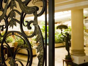 Havana, Lobby of the Park Central Hotel, Cuba by Paul Harris