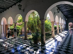 Municipal Hacienda, Merida, Yucatan State, Mexico by Paul Harris