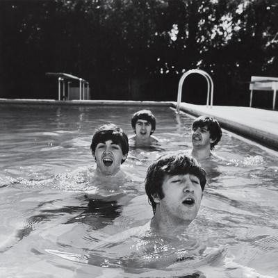 https://imgc.allpostersimages.com/img/posters/paul-mccartney-george-harrison-john-lennon-and-ringo-starr-taking-a-dip-in-a-swimming-pool_u-L-P43KEN0.jpg?p=0
