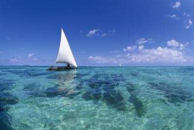 Dhow on Clear Seas by Paul Souders