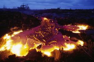Pahoehoe Lava from Kilauea by Paul Souders