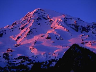 Sunset Alpenglow on Mount Rainier by Paul Souders