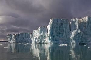 Sveabreen Glacier in Nordfjorden by Paul Souders