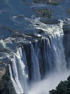 Zambezi River Flowing over Victoria Falls, Mosi-Oa-Tunya National Park, Zambia by Paul Souders