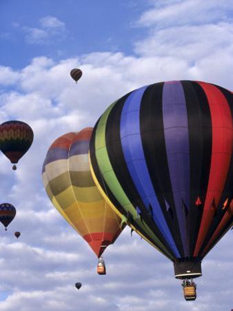 Hot Air Ballooning, Albuquerque, New Mexico, USA by Paul Sutton