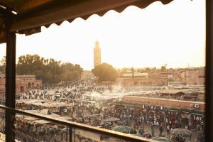 Djemaa El Fina Place Morroco by Paul Viant