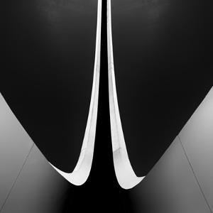 Ending Circles by Paulo Abrantes