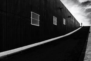 Labyrinth of Air by Paulo Abrantes
