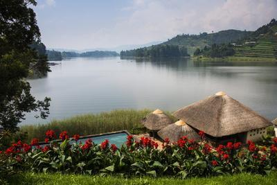 https://imgc.allpostersimages.com/img/posters/pavilion-and-flowers-at-a-viewpoint-overlooking-lake-bunyonyi-uganda-east-africa-africa_u-L-PQ8N1Z0.jpg?p=0
