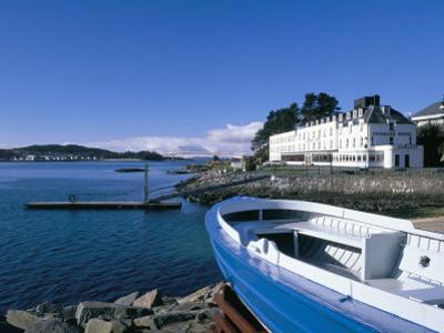 Boat and Lochalsh Hotel, Kyle of Lochalsh, Scotland by Pearl Bucknall