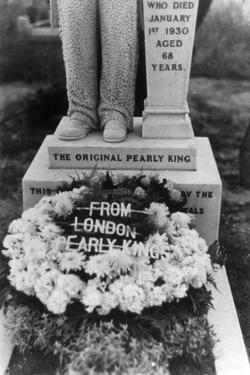 Pearly King Grave