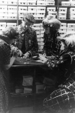 Pearly Kings Shopping