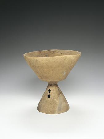 https://imgc.allpostersimages.com/img/posters/pedestal-bowl_u-L-PPBDYN0.jpg?p=0