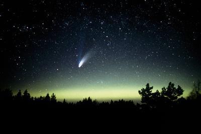 Comet Hale-Bopp And Aurora Borealis, 30 March 1997