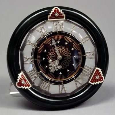 https://imgc.allpostersimages.com/img/posters/pendulum-clock-in-nephritis-rock-crystal-and-enamel-and-hands-of-rosettes-on-platinum-cartier_u-L-PP0D3Y0.jpg?p=0