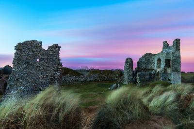 https://imgc.allpostersimages.com/img/posters/pennard-castle-overlooking-three-cliffs-bay-gower-wales-united-kingdom-europe_u-L-PQ8RDZ0.jpg?p=0