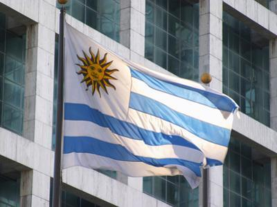 National Flag and Plaza Independencia, Montevideo, Uruguay by Per Karlsson