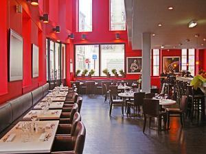 Restaurant Le Cafe Du Theotre, Bordeaux, Gironde, Aquitaine, France by Per Karlsson