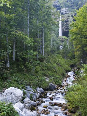 https://imgc.allpostersimages.com/img/posters/peri-nik-falls-vratatal-triglav-national-park-slovenia_u-L-Q1EY1AT0.jpg?artPerspective=n