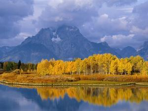 Mt, Moran and Snake River at Oxbow Bend, Grand Teton National Park, Wyoming, USA Autumn by Pete Cairns