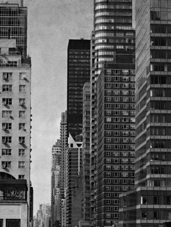 City Segment - Noir by Pete Kelly