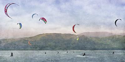 Kite Surfers by Pete Kelly