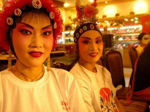 Performers from Sichuan Opera, Shu Feng Ya Yun Tea House in Chengdue, Shaanxi Province, China by Pete Oxford